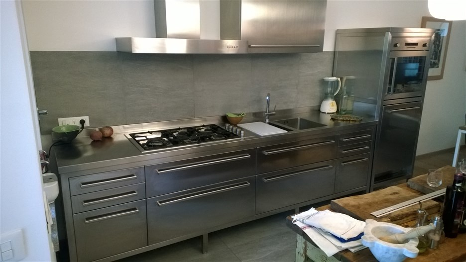 cucine in acciaio cucine complete restart firenze cucine in muratura cucine made in italy. Black Bedroom Furniture Sets. Home Design Ideas